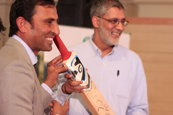 Bid-for-younis-khan-10,000-run_homepage