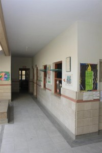 Clean and Well-Maintained Corridor
