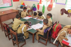 Students in the Arts & Drawing Class