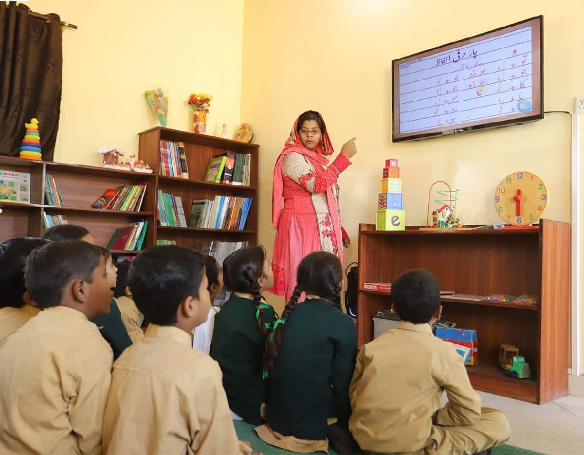 Jazz & TCF to Digitally Transform Over 1600 Schools in Pakistan